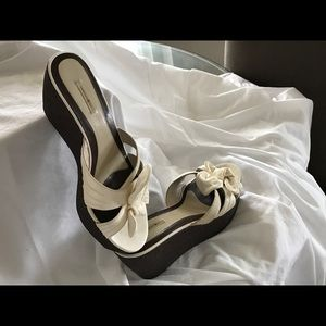 Max Studio White Leather Wedges